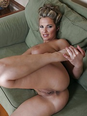 Naked Matures - Nude MILF photos and wife porn pictures, nude ...