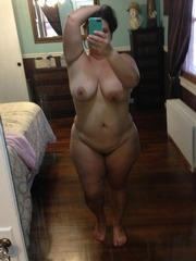 Plump mature naked self-shot pictures..