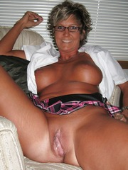Hot smiley mature housewife showing her..