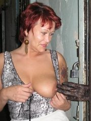 Amateur mature girlfriends show their..