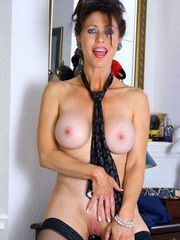 Naked mature body and old but juicy boobs