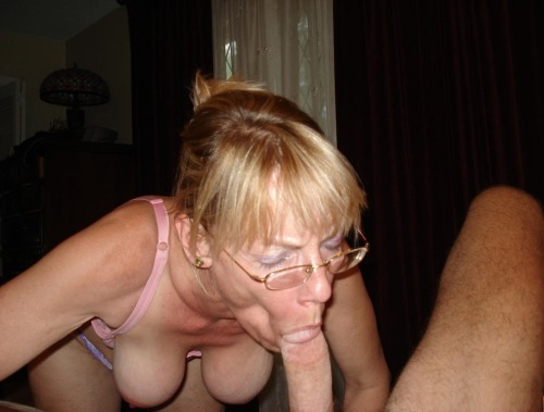 ... : Porn pics from amateur swinger party Back to mature gallery