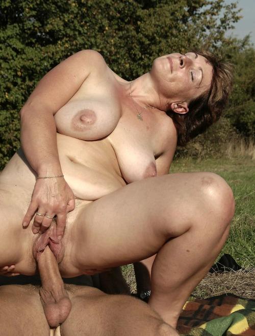 крупные фото секса зрелых женщин
