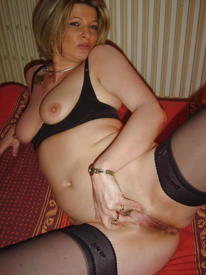 Erotic naked slut