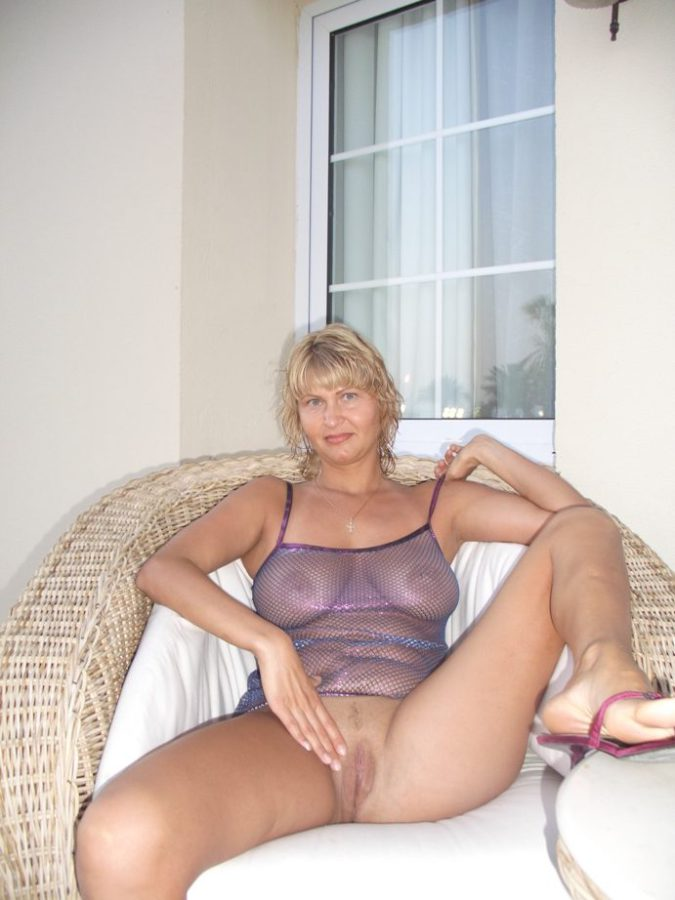 Mature older swinger woman