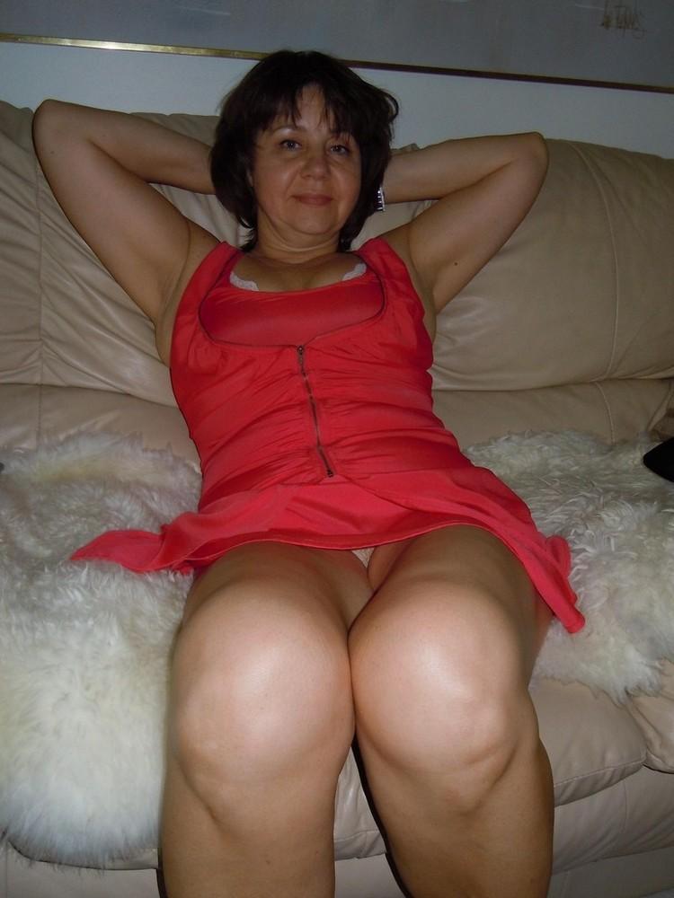 Redhead big tits milf