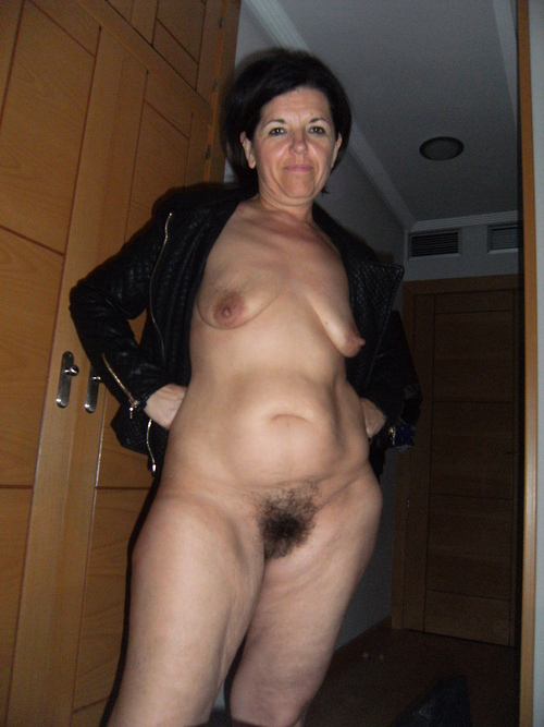 Naked curvy women want dick