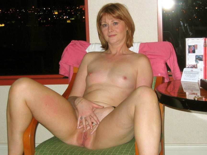 Hot black mature gallery