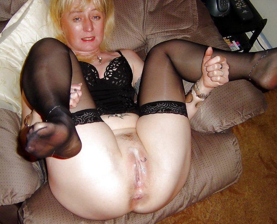 кресле, жестом домашнее порно фото зрелые аппетитную
