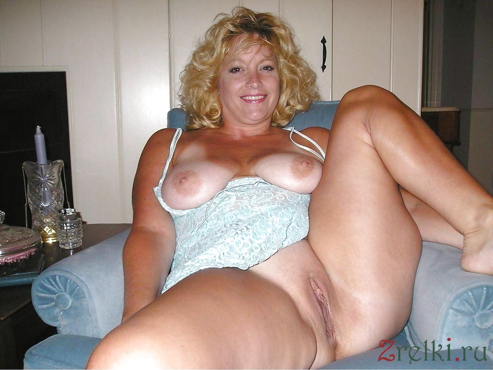 Hot Nude Mature Wives