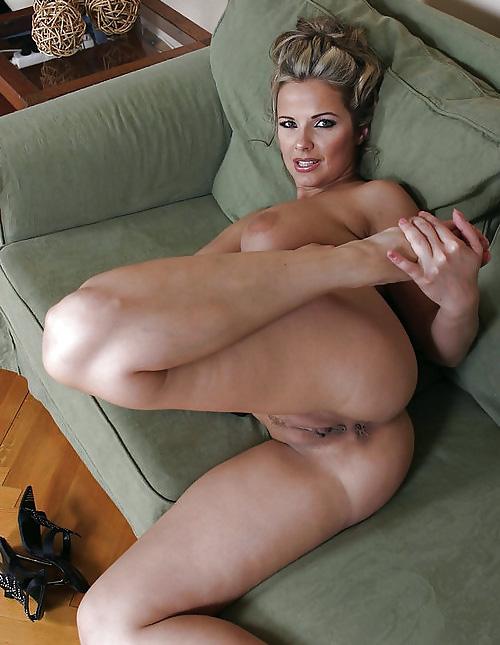 Posing sex