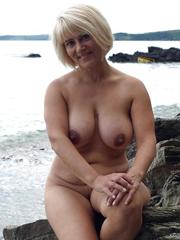 nude amateur girl fucking