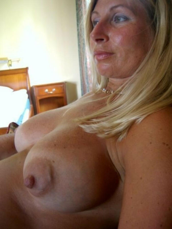 Blonde thick bbw shopping fathers day sexy af