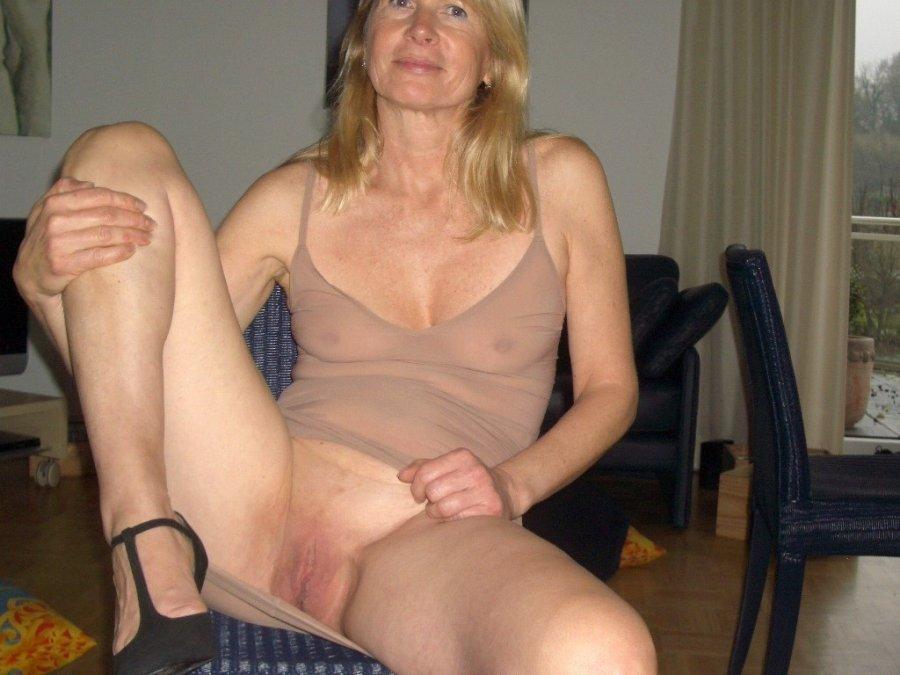 Mature naked nasty women, skinny grany pusy pics