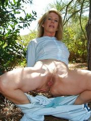 Glamourous mature naked wife