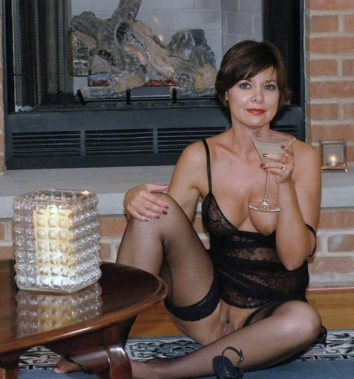 Short Description: Mature naked self-shot pictures, busty.. Back to ...